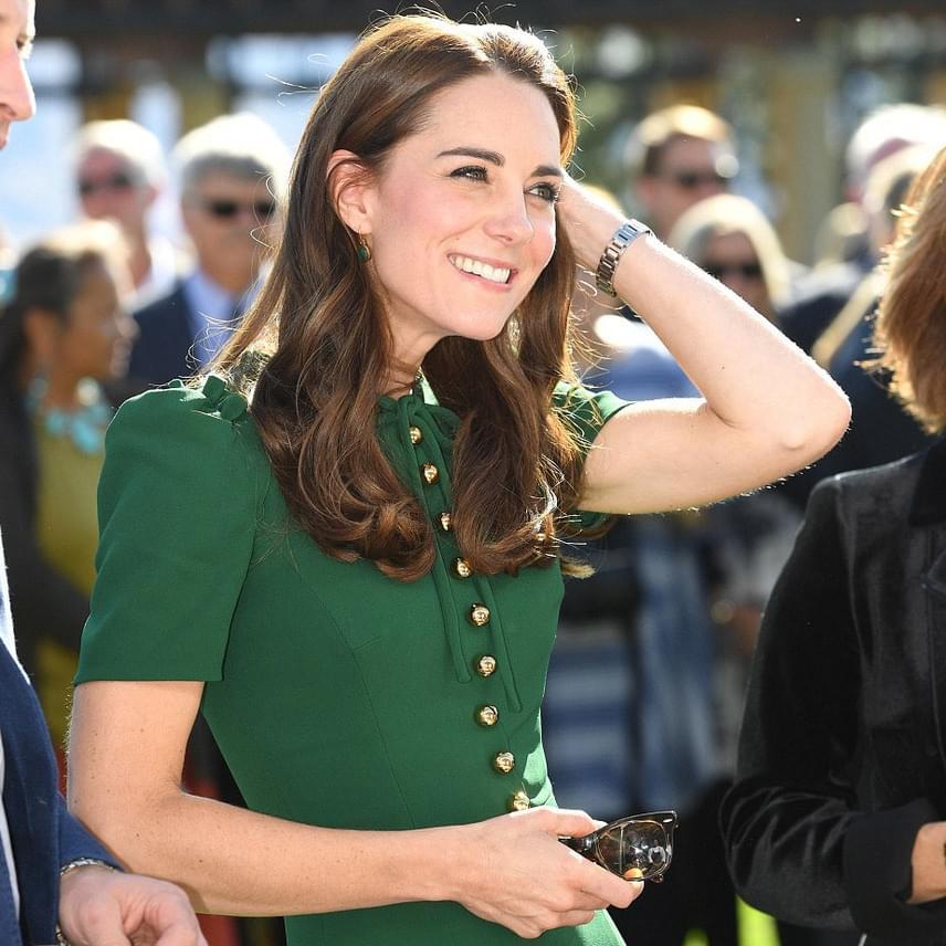 Távol a palotától a hercegné sokkal boldogabbnak és kiegyensúlyozottabbnak tűnik - csak rá kell nézni, szinte ragyog.