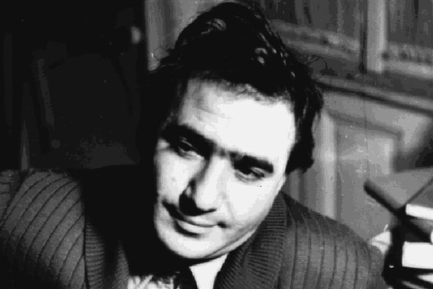 Földes Imre színész-rendező csupán 34 éves volt, amikor 1958-ban öt társával együtt kivégezték. 1990-ben, akárcsak a többi '56-os elítéltet, őt is rehabilitálták.