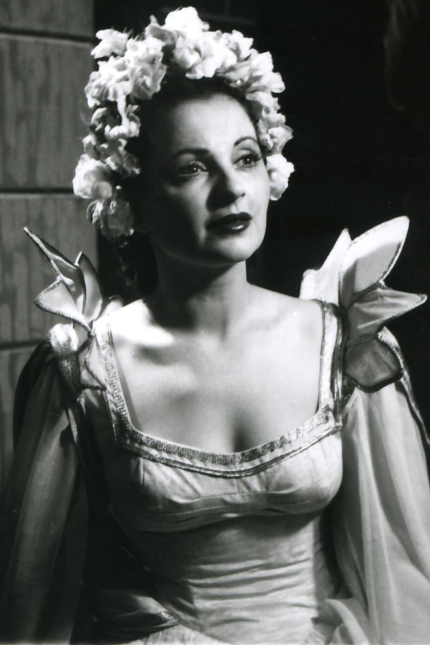 Mészáros Ági kétszeres Kossuth-díjas színművésznő 1961-ben állhatott újra színpadra, a Nők iskolájában, azonban még akkor is nehezen boldogult, csupán karakterszerepeket kapott: a szereplőválasztás nem tehetség, hanem szimpátia alapján működött. A '60-as évek végén, és a '70-es években indult be újra karrierje.