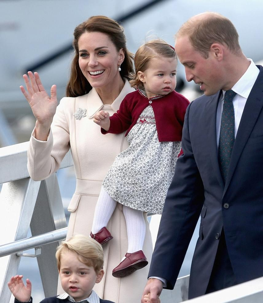 Az utolsó pillanataik Kanadában: György herceg itt kérdezte meg édesapját, hogy nem vezethetné-e ő haza a gépet.