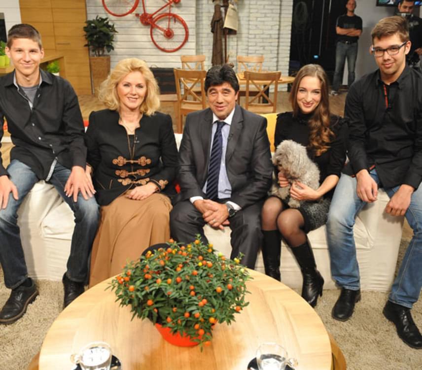 Nemcsák Károlynak két fia született, a 20 éves Máté és a 22 éves Balázs, illetve együtt nevelték Darvasi Ilonával a színházigazgatónő korábbi kapcsolatából született lányát, Cecíliát is.