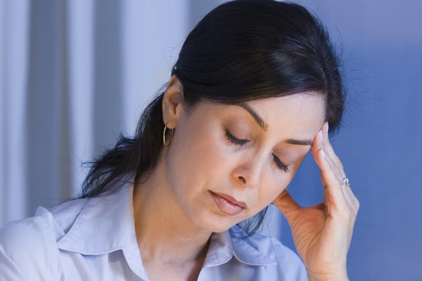 A fejfájás jellemzően a felső légúti, illetve a fogászati gócok tünete lehet, de gócok hatására szinte a test bármely részén felléphet különös, korábban nem tapasztalt fájdalom. Ez általában el is tűnik, illetve enyhül, amint kezelik a gócot.