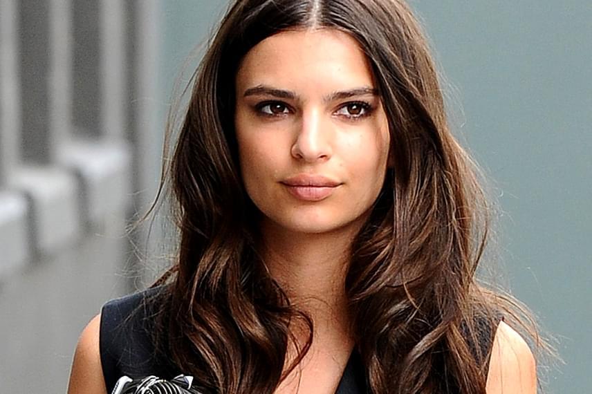 Emily Ratajkowski láthatóan nagyon szabályos és szimmetrikus arca 90,8%-ot ért el a mérésen.