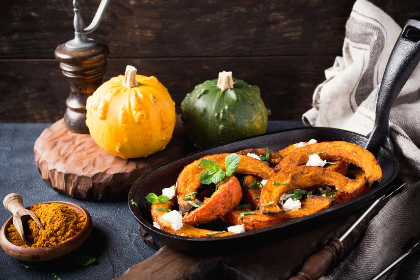 A sütőtök a kedvenced lehet akkor is, ha nem bírod a tökfőzeléket. Az édes-sós aromájú sült csemege illatban és ízben is a téli időszak slágere. Nagyon magas rosttartalommal bír, emiatt áldás az emésztésének. Az egyik legerősebb antioxidáns, mert rengeteg C-vitamin van benne. A színe is utal arra, hogy rengeteg karotinoidot tartalmaz, amely megköti a szervezetben a káros szabad gyököket, így a rákmegelőzésben isfontos szerepe van.