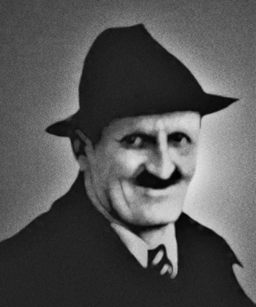 Alois Irmalier (1894-1959)Német nemzetiségű, egyszerű emberként élte életét, kútásóként és kubikusként dolgozott. Jövendöléseit, amelyekben egy jövőbeni nagy háborúról beszélt, barátja jegyezte le. Ezek szerint a harmadik világháborút egy befolyásos ember meggyilkolása indítja majd el. Jóslataiban egyfajta tömegpusztító fegyver is kirajzolódni látszik, amely sárga por formájában szedi majd áldozatait, fulladást, görcsös rohamot, majd halált okozva.