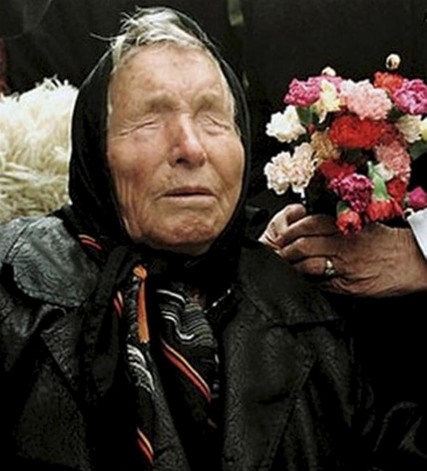 Baba Vanga (1911-1966)Homokviharban, 11 évesen vesztette el látását a bolgár jósnő, Baba Vanga, valódi nevén Vangelia Gusterova, akinek állítólag a jövendölései 84%-a mindeddig beigazolódott. Megjósolta például a háború végének időpontját, Diana hercegnő halálát, a 2001. szeptember 11-i terrortámadást és a csernobili katasztrófát is. Bár mindeddig nem következett be, és reméljük, nem is fog, de 2016-ra Európa elnéptelenedését, a század közepére pedig egy virágzó gazdaságú világot jövendölt. 2033-ra az Északi-sark jegének felolvadását jósolta, 7000-re pedig az apokalipszist, amikor is Krisztus ismét eljön majd.