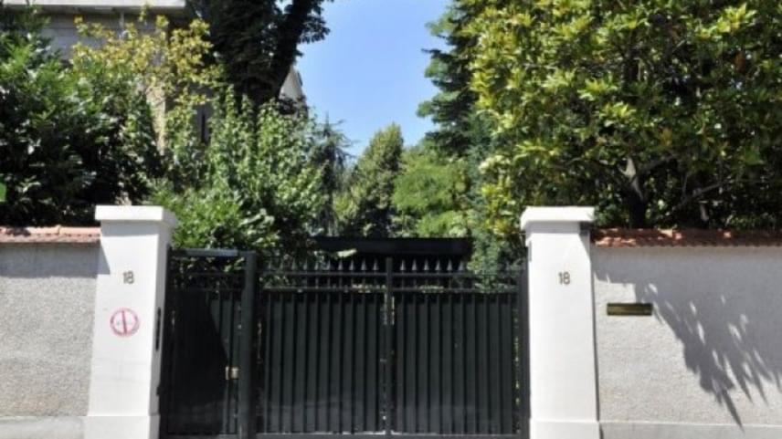 Liliane 1950-ben André Bettencourt francia politikussal házasodott össze, vagyonuk pedig egyre gyarapodott. A házasságkötést követően, 1951-ben költöztek Párizs egyik leggazdagabb környékére, a Neuilly-sur-Seine övezetbe, miután megépíttették hatalmas és modern házukat.