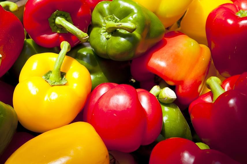 A listán nemcsak gyümölcsök, de zöldségek is szerepelnek, ilyen például a kaliforniai paprika.