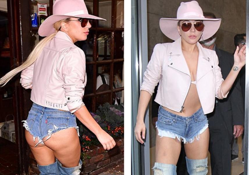 Lady Gaga mindig is híres volt extrém stílusáról, és még az sem zavarja, ha falatnyi ruhája alól kikandikál kényes testrésze. Bátran vonult végig merészen rövid sortjában New York utcáin.