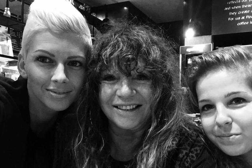 Zalatnay Cini nevelt lánya, Niki négy napra látogatott haza Londonból, hogy születésnapját - október 23. - a családdal ünnepelje.