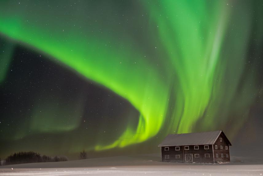 A svédországi Abisko Nemzeti Parkban érintetlen táj teszi még varázslatosabbá a sarki fény látványát, melyet novembertől márciusig csodálhatsz.