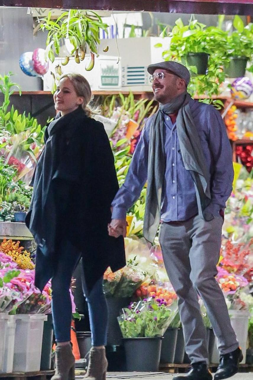 Darren Aronofskyt legtöbben csak Rachel Weisz exférjeként és gyermeke apjaként ismerték, így aztán mindenkit meglepett, hogy az utóbbi időben egyre többet csípték el a fiatal Jennifer Lawrence közelében.