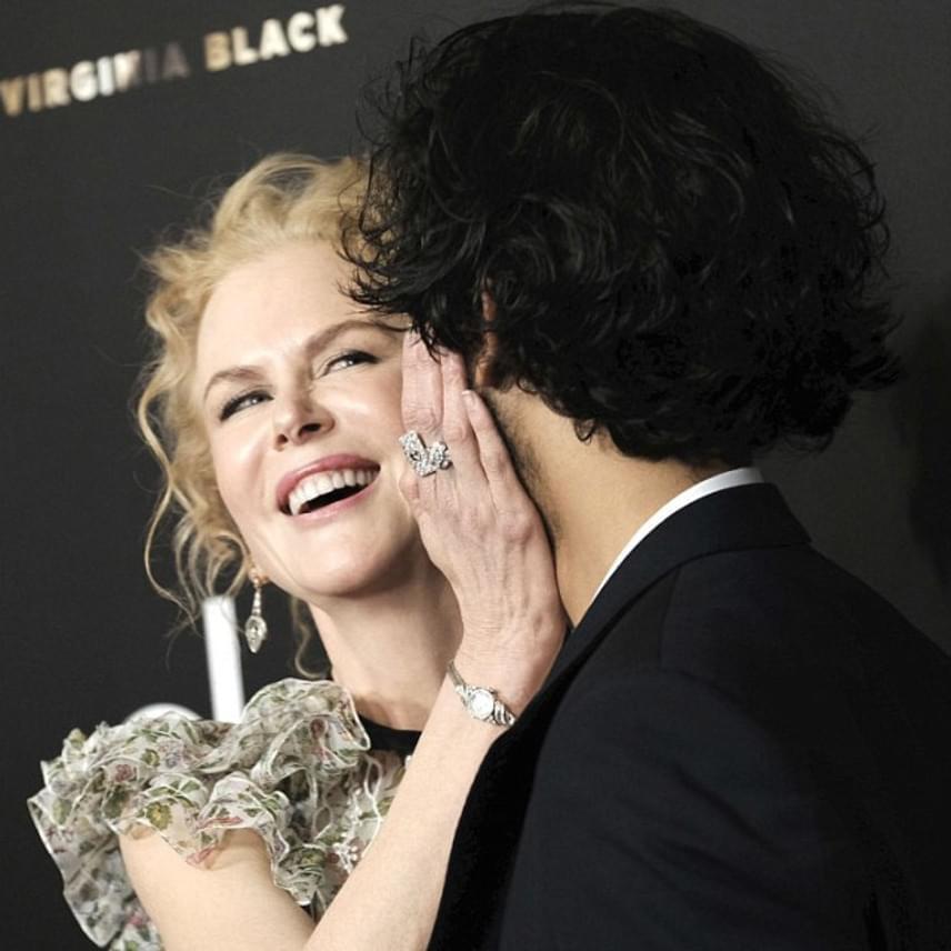 Látszik, hogy nagyon nagy az összhang Nicole Kidman és Dev Patel között, akik szinte úgy viselkedtek, mint egy pár a vörös szőnyeges eseményen.