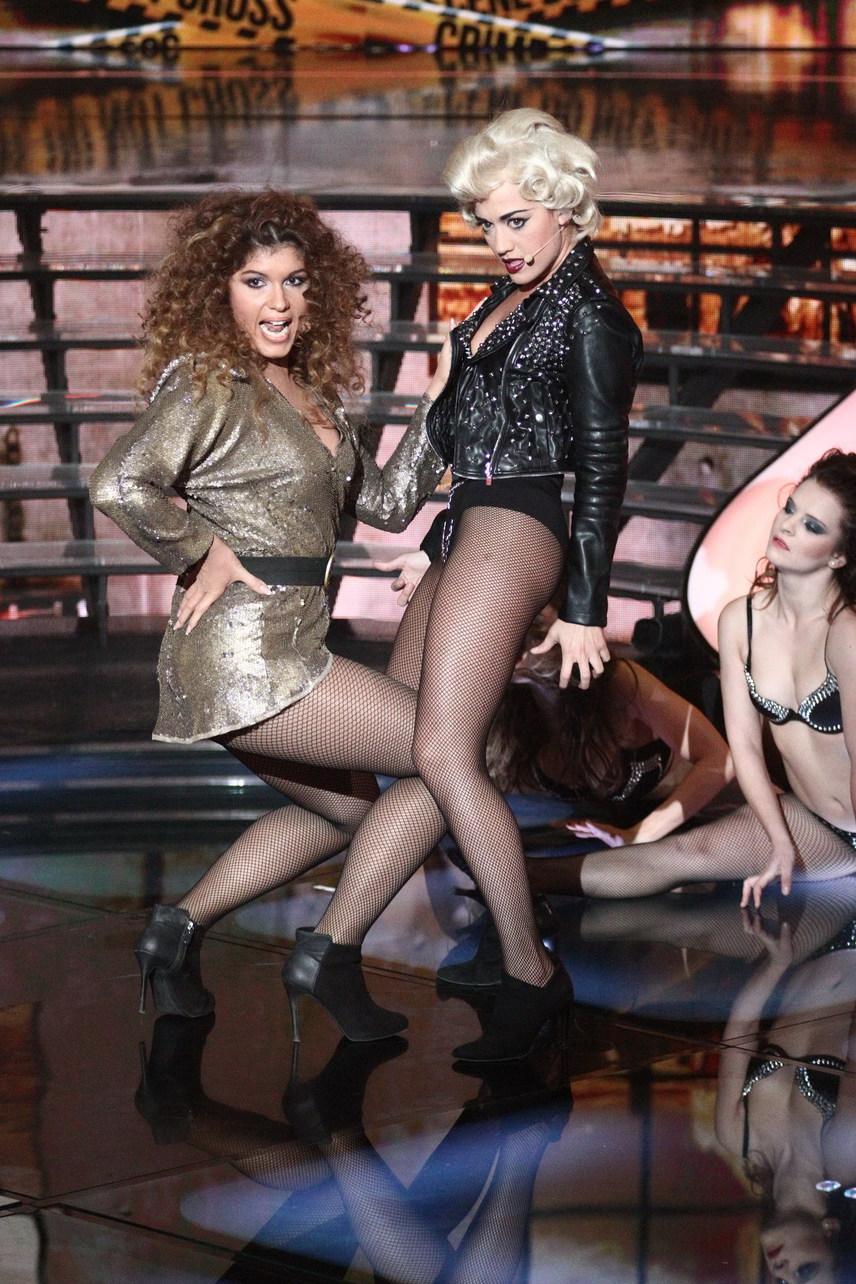 Nagy Adri Lady gagának, Veres Mónika Beyoncénak maszkírozva borzolta a kedélyeket. A két énekesnő produkciója fülledtre sikerült, amit a zsűri sem hagyhatott szó nélkül.