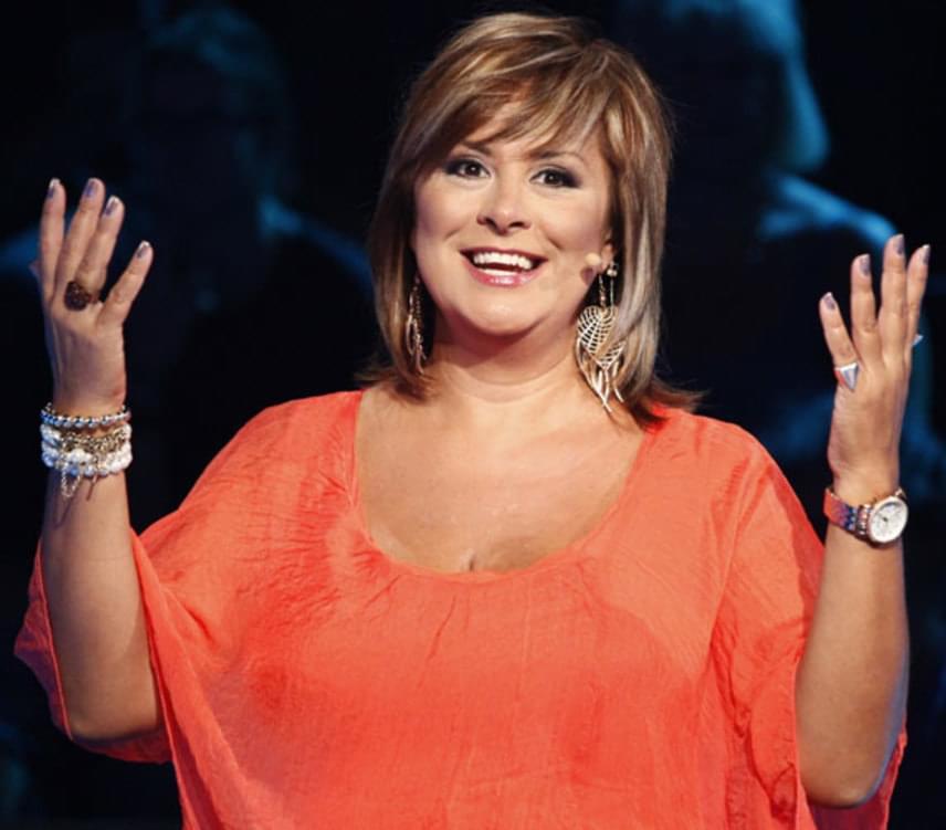 Szulák Andrea énekesnő, színésznő, műsorvezető 43 éves volt, amikor 2007. április 26-án megszületett Gyarmati Gáborral közös kislánya, Rozina.