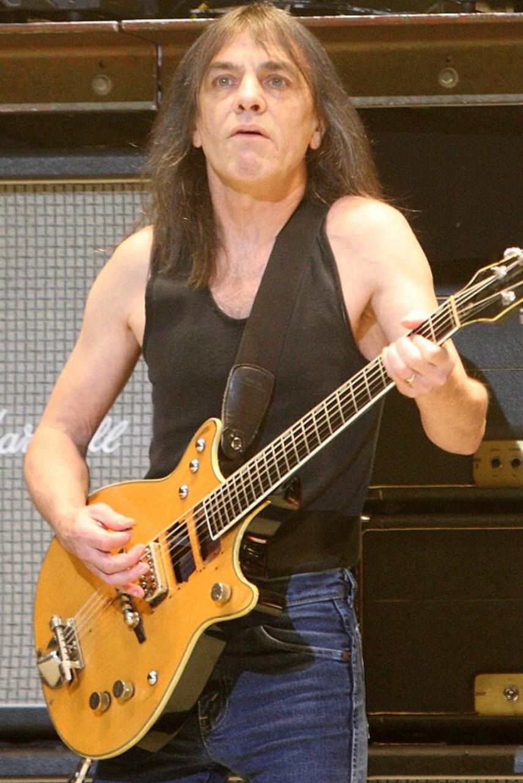Malcolm Young, az AC/DC együttes legendás gitárosa is visszavonult néhány éve, amikor Alzheimer-kórja miatt képtelen volt tovább játszani az együttesben.