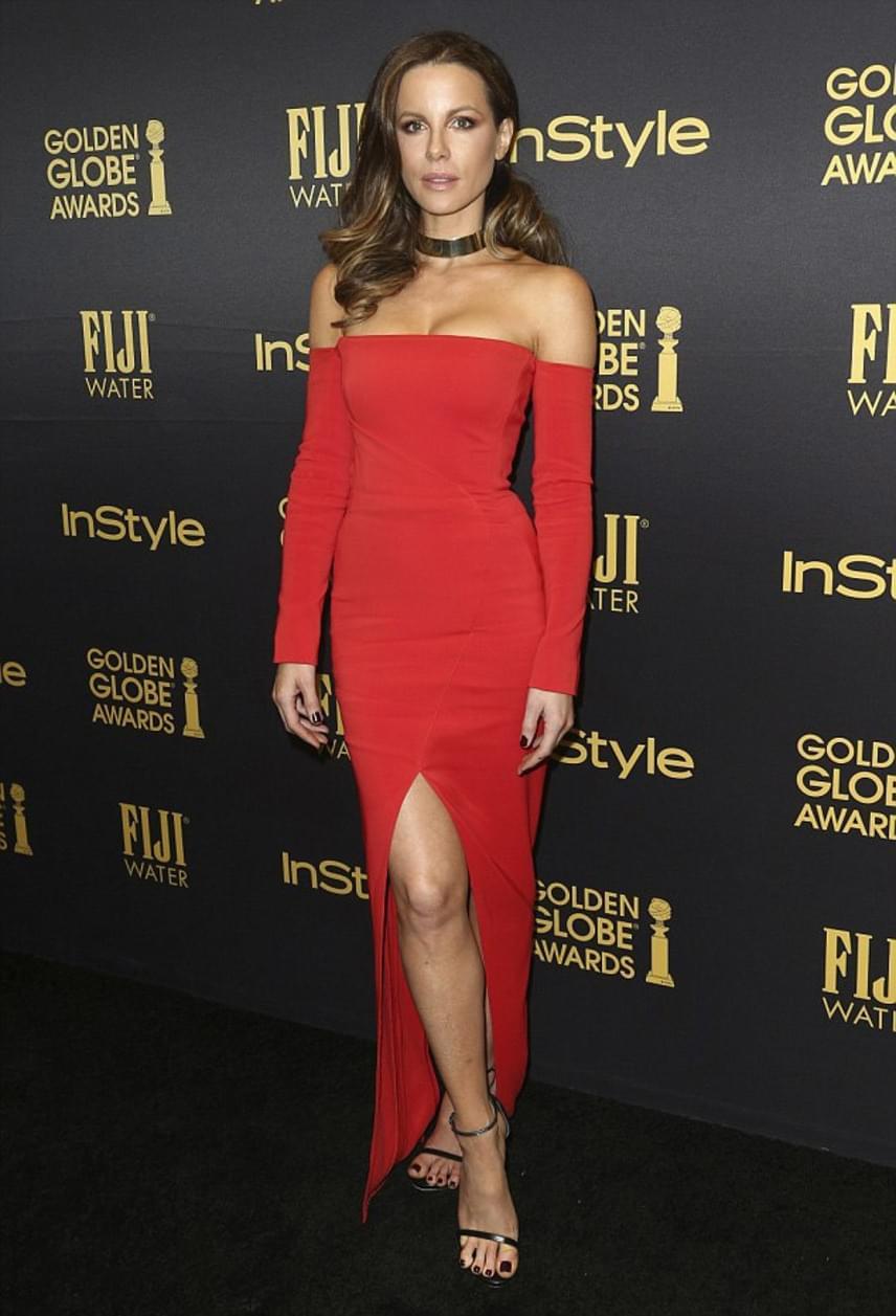 Kate Beckinsale szinte kivirult, amióta beadta a válókeresetet: rég láttuk ilyen gyönyörűnek a színésznőt - pláne egy ilyen szexi, piros ruhában.