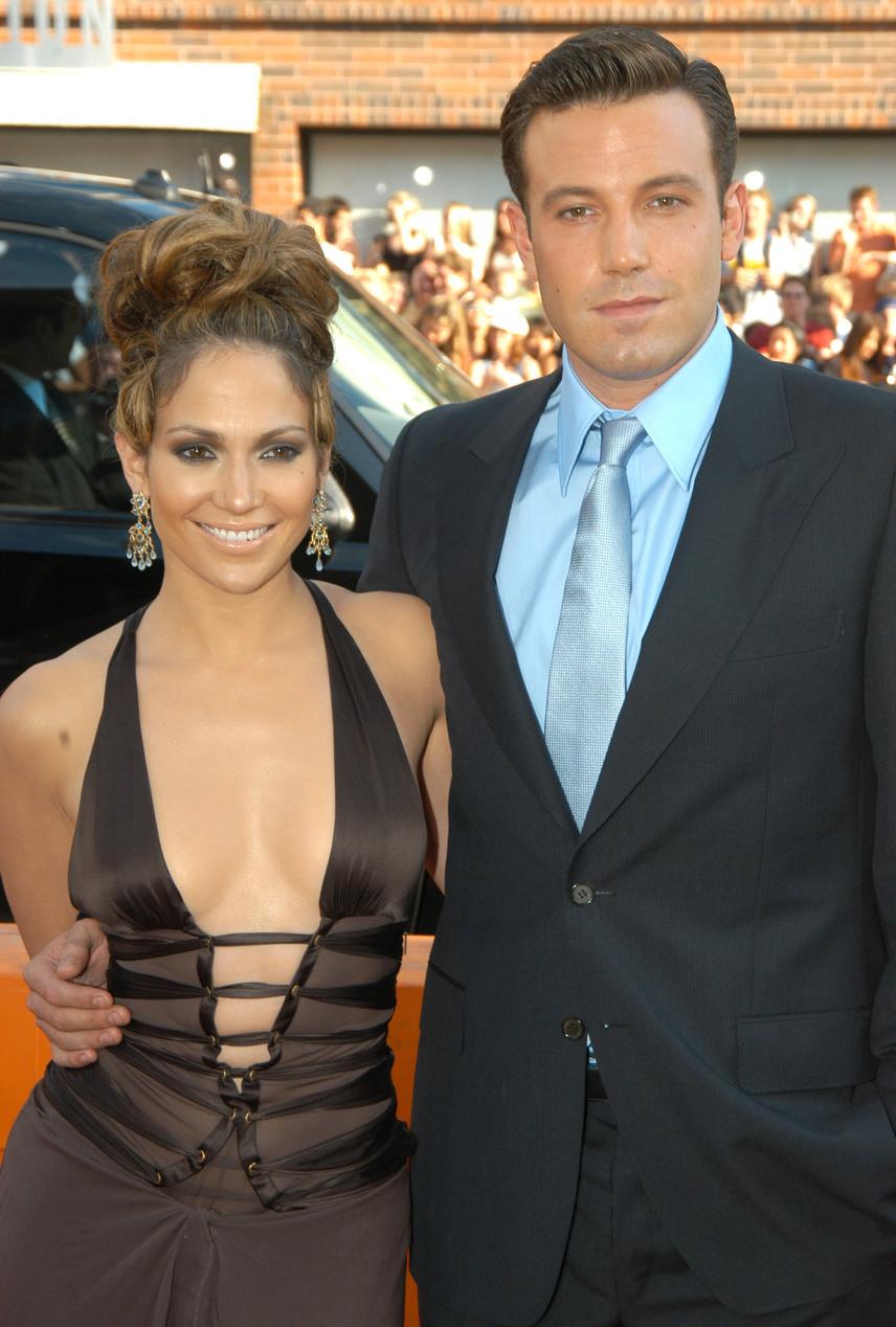 Jennifer Lopez legismertebb exe talán Ben Affleck, akivel két éven át tartott a szerelem. A színész már meg is kérte a J.Lo kezét, amikor az váratlanul szakított vele.