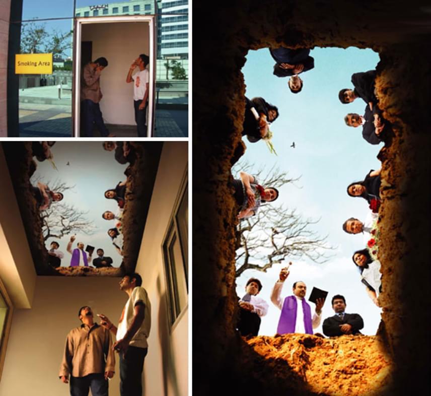 A dohányzásra kijelölt helyen a plafonra helyezett képpel emlékeztetnek rá, hogy a cigi megrövidíti az életet, az alkotók szerint pedig könnyen úgy végezheted fiatalon, mint ahogy az a fotón látszik. Ugye, milyen bizarr a saját temetésedet látni?