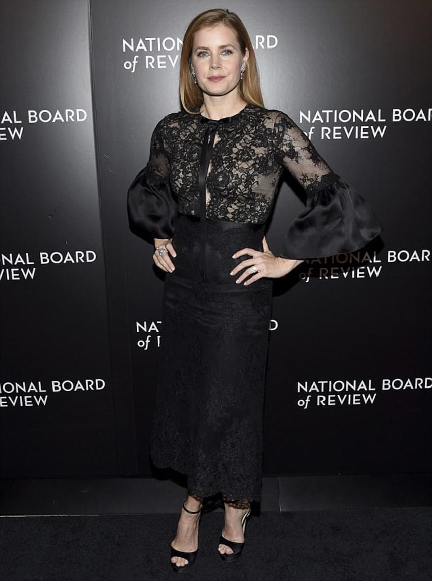 Csodás alakját elnézve nem is csodáljuk, hogy Amy Adams néhány éve még a világ legszebb színésznőinek listájára is felkerült, ráadásul a top 30-ban sikerült végeznie.