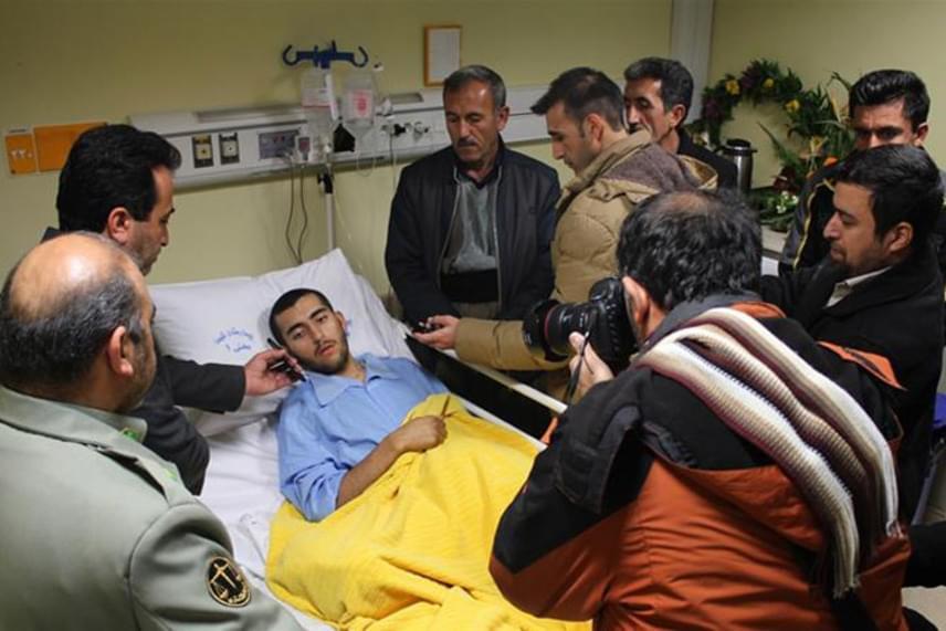 A tebrizi kórház orvosai megpróbálták visszavarrni Mohammad Bakhtar lábát, sajnos sikertelenül. Ennek ellenére a fiatal katona elmondta: ma sem cselekedne másként, és örül annak, hogy így megmenthetett egy életet.