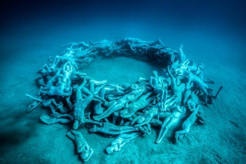 """A környezettudatosságról deCaires Taylor a megnyitón ezt mondta: """"Remélem, hogy a Museo Atlantico közelebb visz ahhoz, hogy megértsük a mi értékes tengeri környezetünket, és azt is, mennyire függünk tőle."""""""