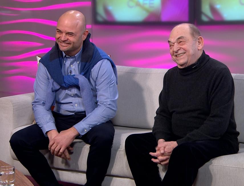 Bodrogi Gyula és Ádám önfeledten meséltek kapcsolatukról. Hazánk legendás színművésze például elmondta, hogy amikor fia megbukott oroszból, az lett a büntetése, hogy nem mentek nyaralni.