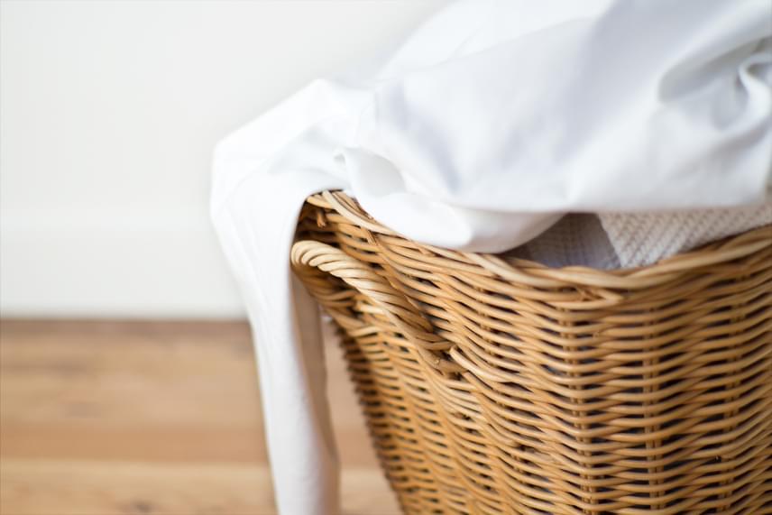 Érdemes kéthetente cserélni az ágyneműt. A tiszta, friss illat ugyanis jó érzéssel tölti el az embereket, amit akár azonnal ki is lehet használni. Az ételmaradék, a nem megfelelő illatok igazán vágylohasztóak tudnak lenni, és sajnos nem a hatalmas szeretkezésekre késztetik az embert.