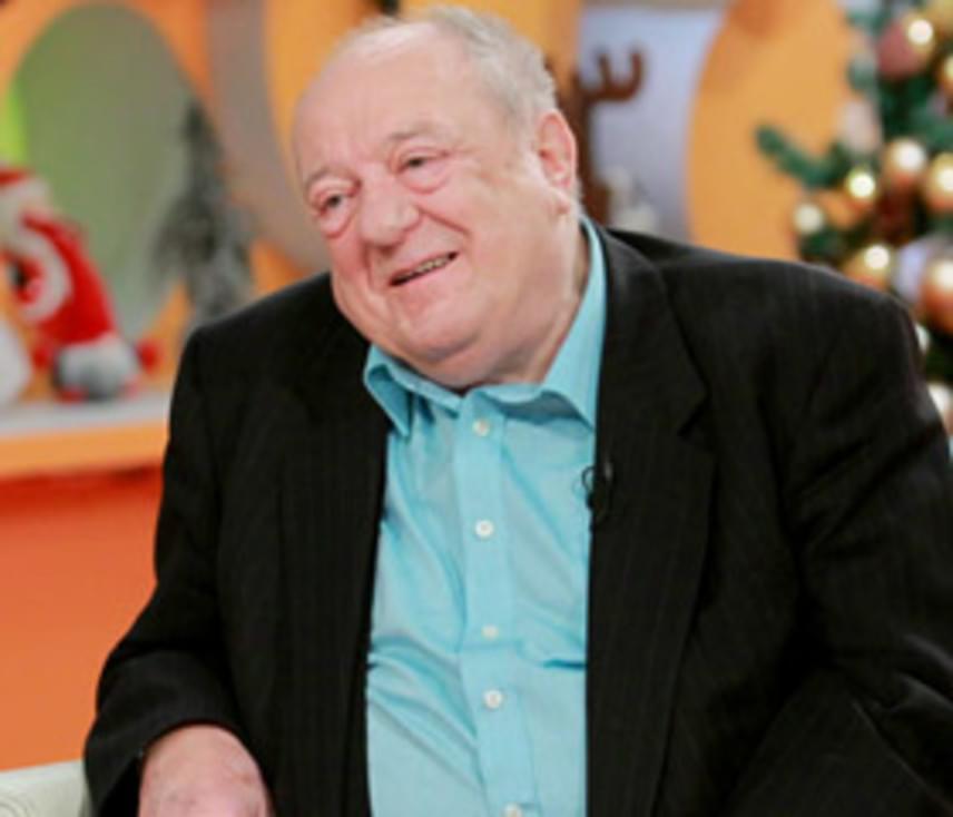 Klapka György egykori táncművész, üzletember január 4-én reggel még a Mokkában szerepelt, délután lefeküdt aludni, de már nem kelt fel többé. Tavaly szenteste nagy baráti társasággal ünnepelte a 88. születésnapját. Január 20-án temették el.