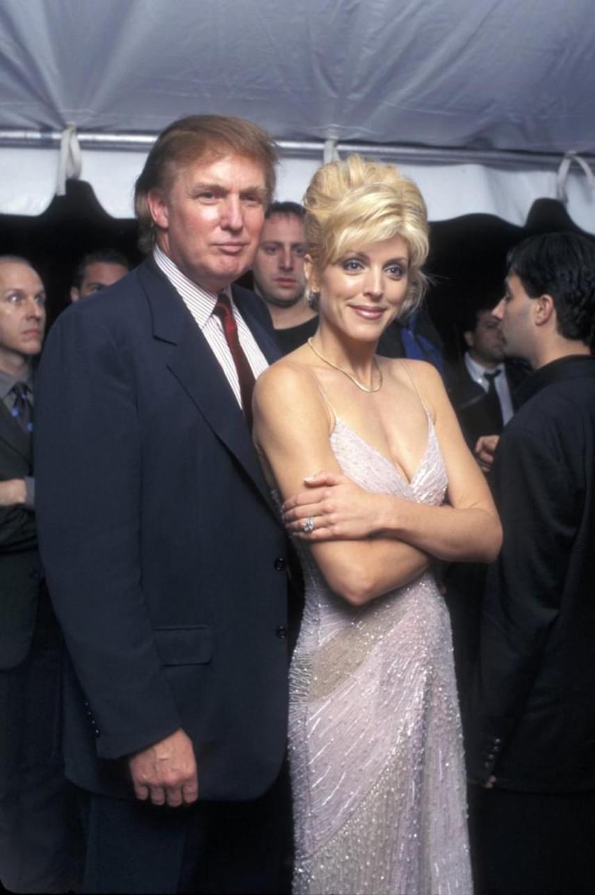 Donald Trump 1993-ban vette feleségül Marta Maplest, aki egy lánynak adott életet: Tiffany 1993-ban látta meg a napvilágot. Trump és Maples kapcsolata 1997-ben ért végett, válásukat pedig hat év házasság után, 1999-ben mondta ki a bíróság.