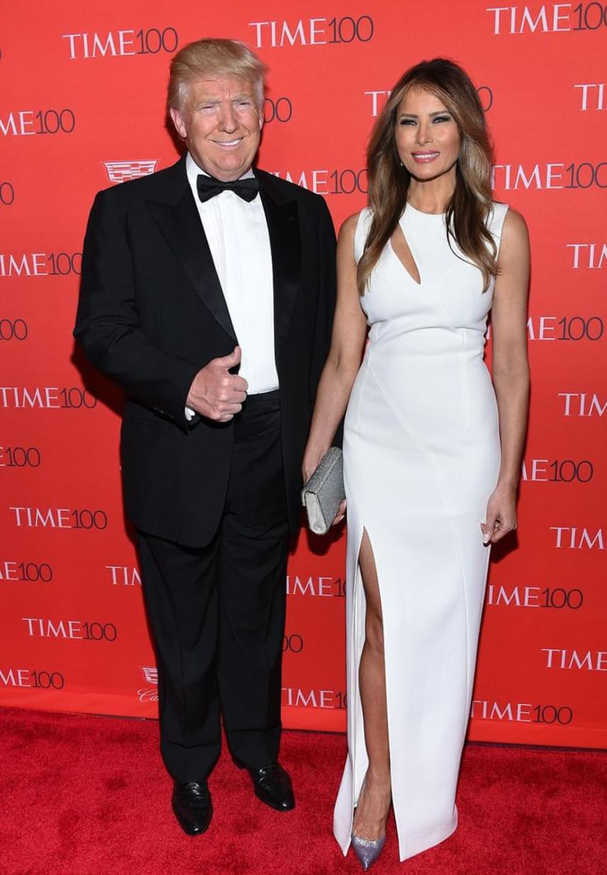 Melania egy fiút szült Trumpnak: Barron 2006 márciusában jött a világra. Donald Trump és Melania házassága már több mint tíz éve tart.