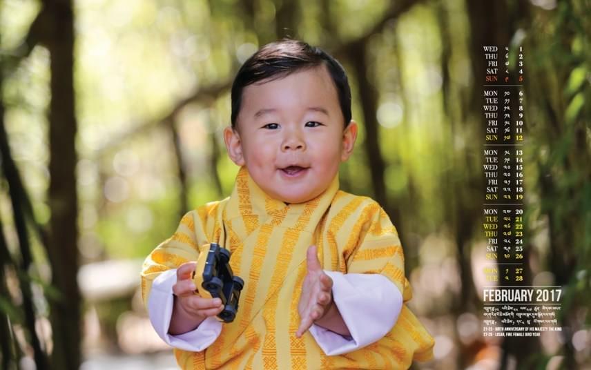 Dzsigme Keszar Namgyal Vangcsuk bhutáni király és Jetszun Pema királyné kisfia nem is lehetne cukibb.