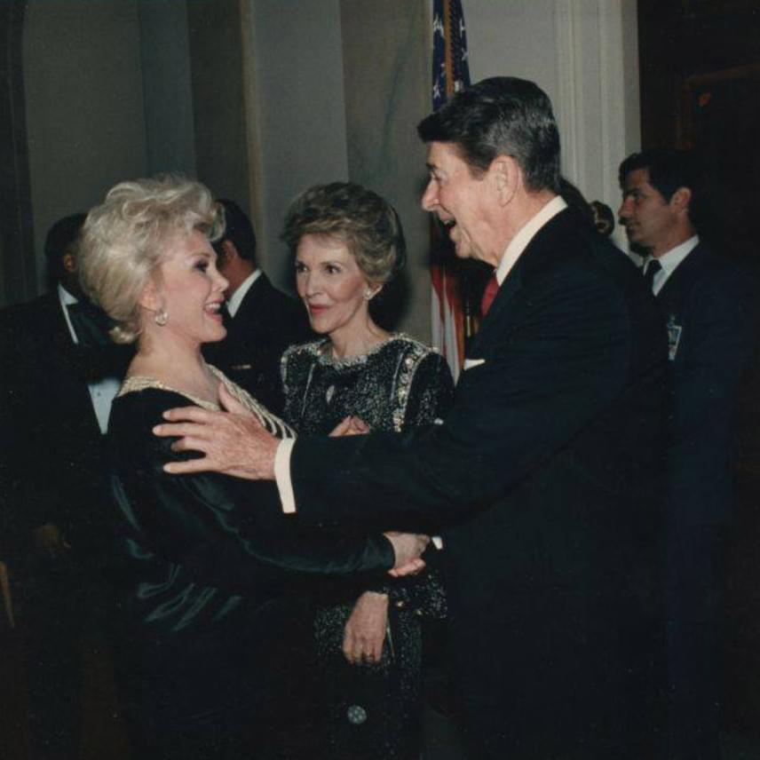 A viszontlátás öröme - 1985-ben az amerikai elnök, Ronald Reagan Zsazsát fogadta a Fehér Házban.