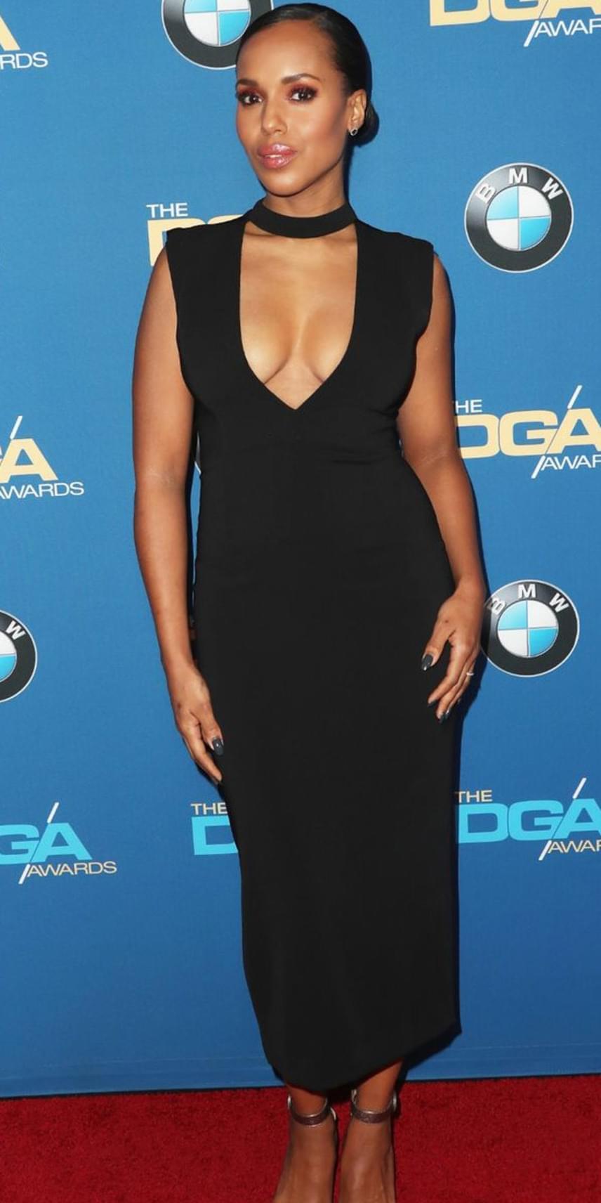 Kerry Washington ezzel szemben szexisre vette a figurát: szorosan testre simuló, mélyen dekoltált fekete estélyibe bújtatta nőies idomait.