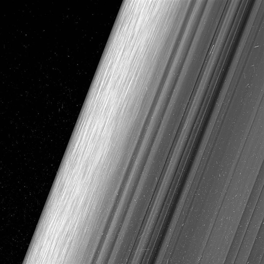 Ezen a képen a B-gyűrű látható, olyan részletességgel, amilyenre korábban még sosem volt példa.