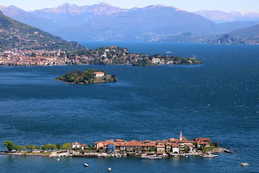 A hosszú élethez talán az is hozzájárulhatott, hogy Emma Morano gyönyörű helyen él, a rendkívül egészséges klímával bíró, csodaszép olasz Maggiore-tónál van az otthona, ahol ma is egyedül lakik.