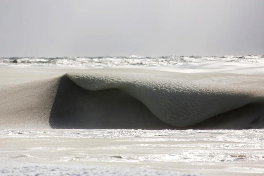 Nantucket egyébként a szörfösök kedvelt helyszíne, de itt most egy ideig nem lesz lehetőségük meglovagolni a hullámokat.