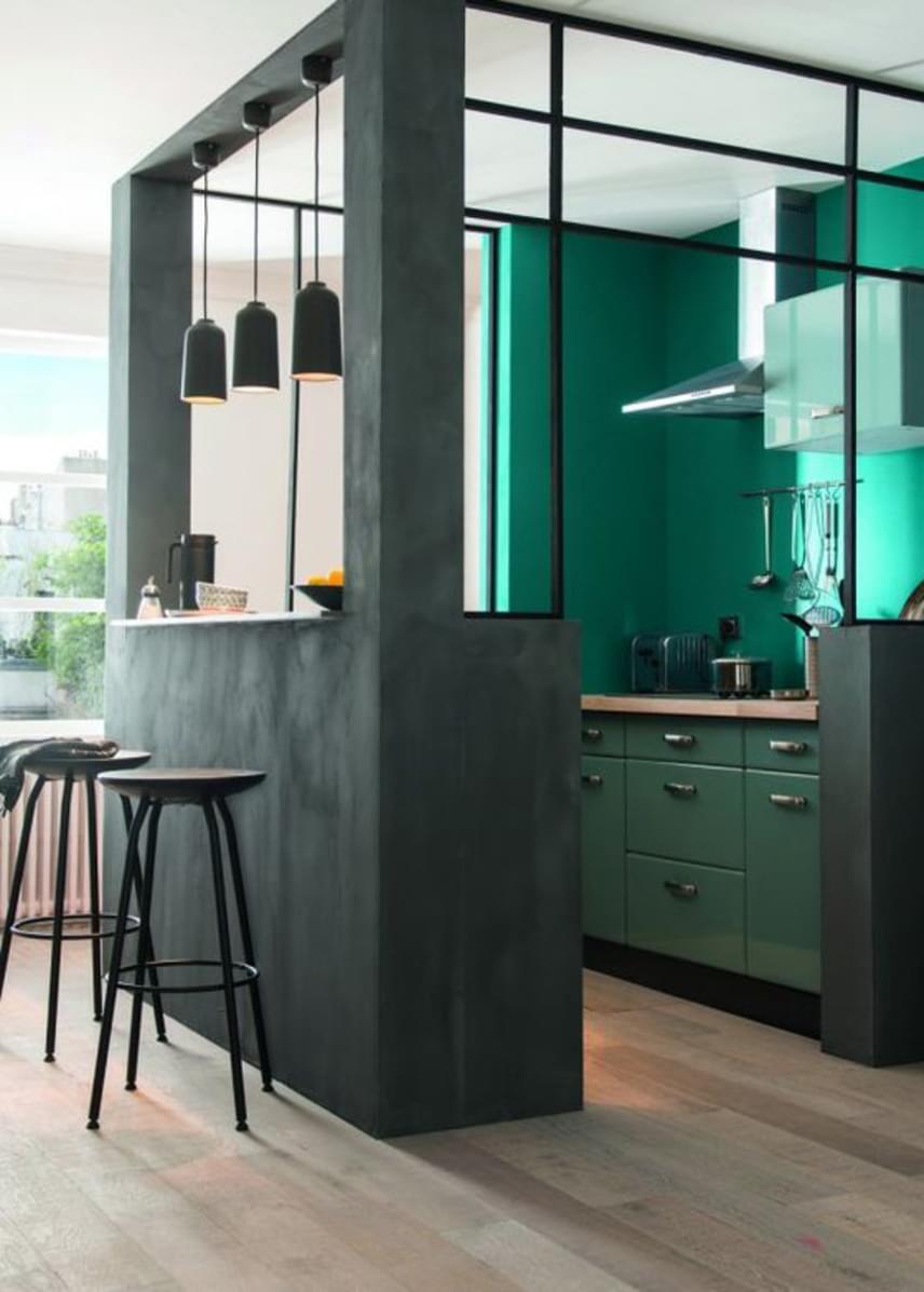 A kockakonyha tulajdonképpen egy kis fülke a lakáson belül, aminek a praktikumon túl dekoratív funkciója is jelentős, jó esetben a lakás legkarakteresebb vonását jelentheti.