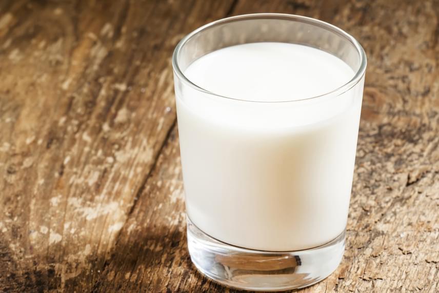 A tejtermékek is tartalmaznak D-vitamint, legnagyobb mennyiségben a vaj, a tej és a sajt, de ezekből sokat kellene enni a napi ajánlott mennyiség eléréséhez.