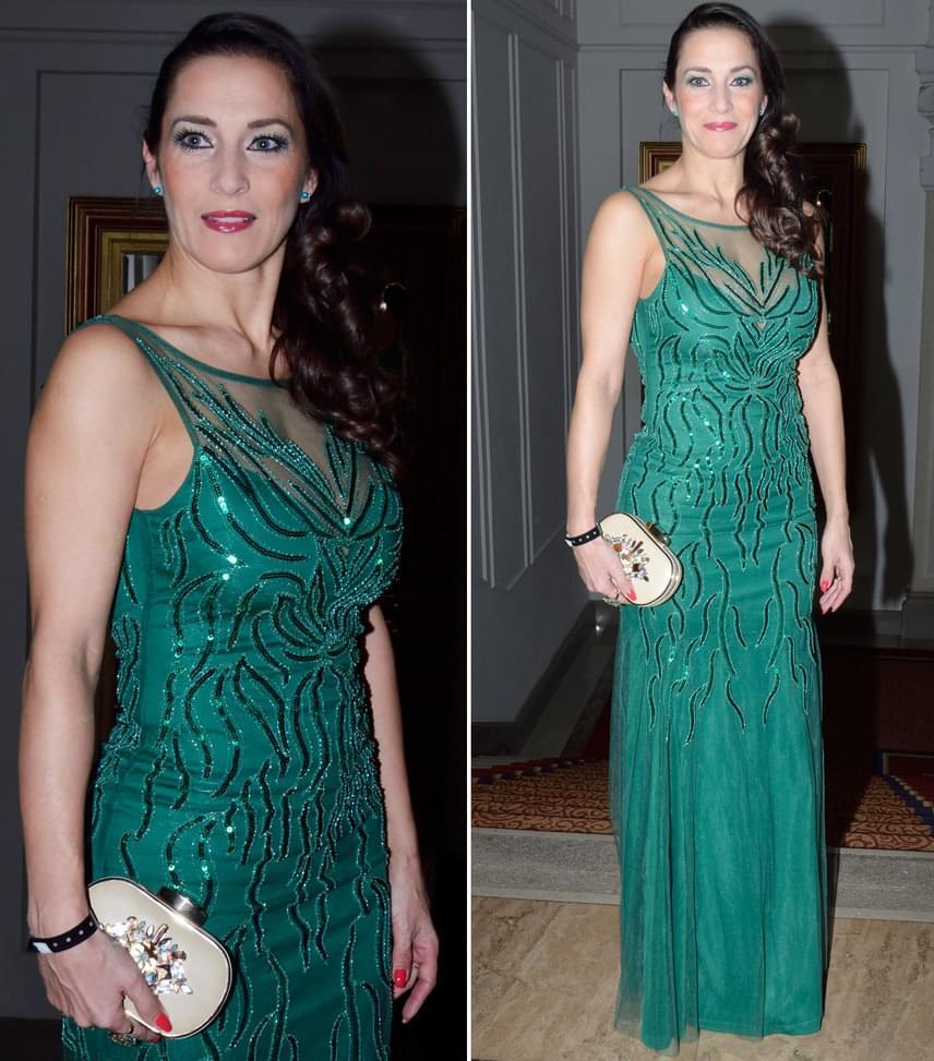 Fésűs NellyA színésznő a smaragdzöld, flitterekkel díszített darabra Párizsban lelt rá.