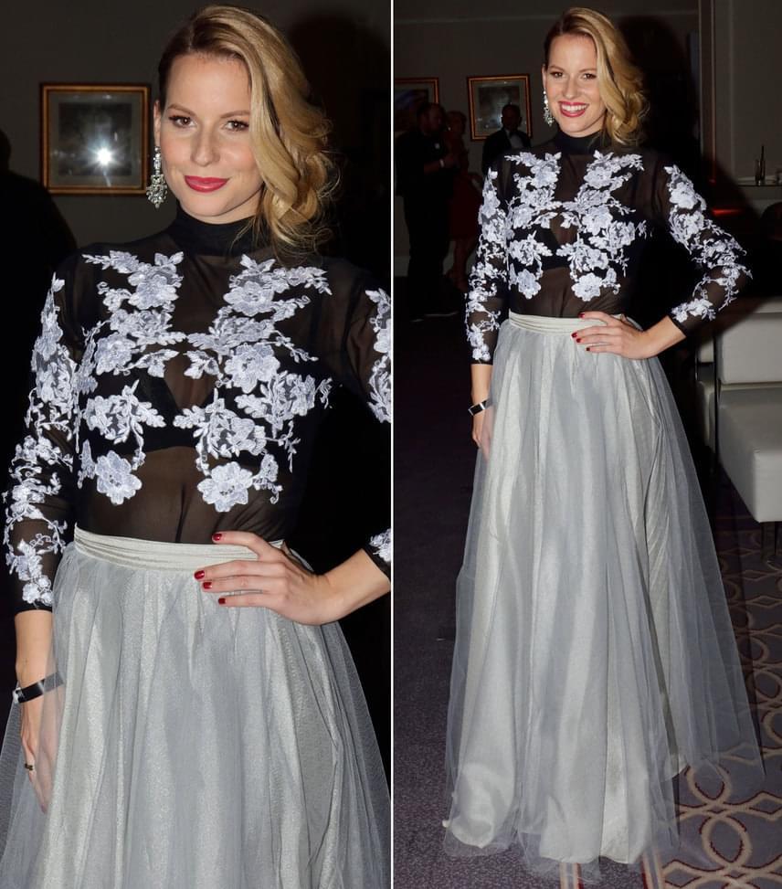 Mádai VivienA FEM3 műsorvezetője fekete-fehér estélyi ruhája a Celeni tervezőjének, Cselényi Eszternek a munkája.