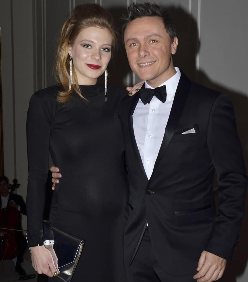 Munkácsy Kata és Serbán Attila  A Barátok közt egykori színésznője és az Operettszínház sztárja első gyermeküket várják, nem csoda, ha úsznak a boldogságban.