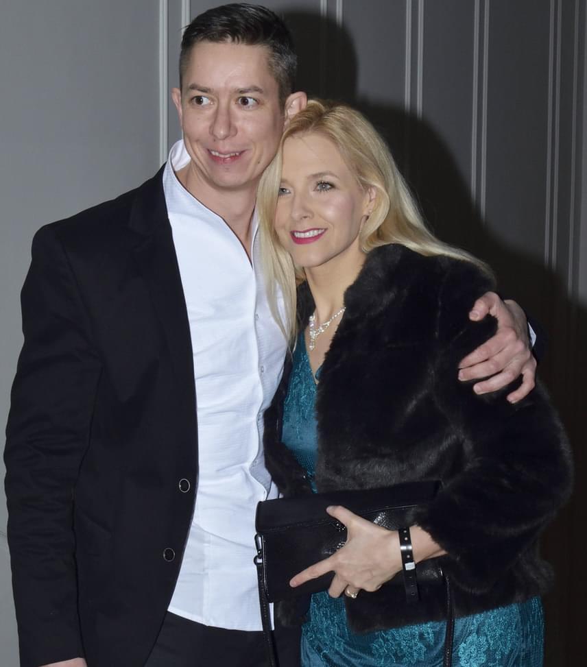 Peller Anna és férje  A színésznő természetesen férjével, a Nyerő Párosból és a Playback Párbajból is ismert Lukács Miklóssal jelent meg.