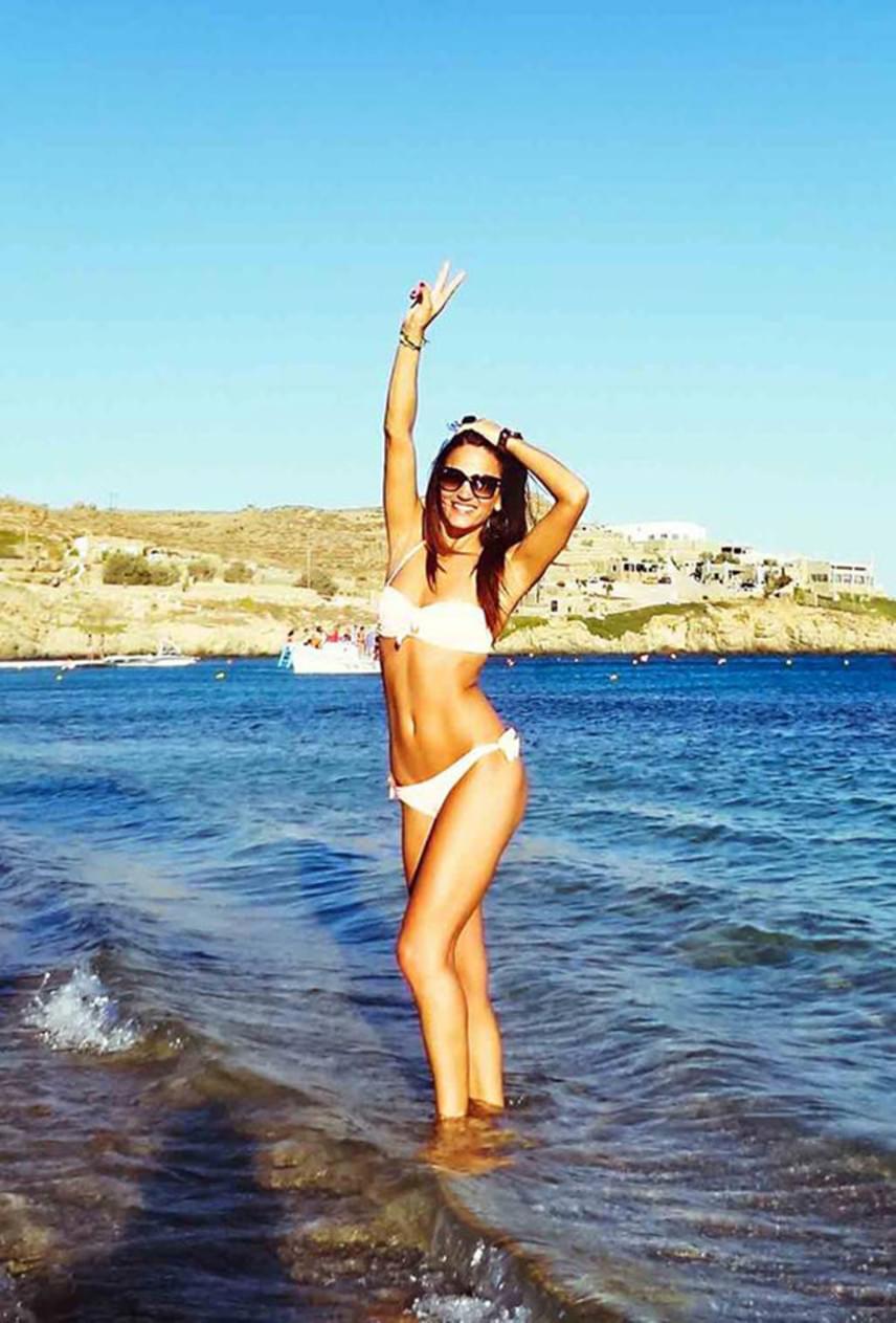 Ez a bikinis fotó nem Mexikóban, hanem Görögországban készült róla, ahol a jelek szerint szintén nagyon jól érezte magát.