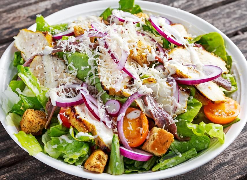 Csirkesaláta                         A vitamindús saláta a maradék hús felhasználására tökéletes, és egy hosszú nap után is bevetheted. Készítsd el kreatívan, bármilyen zöldséget keverhetsz hozzá az évszaknak és a hűtöd tartalmának megfelelően. Öntettel, sajttal még ízletesebbé teheted. Indulj ki ebből a receptből!