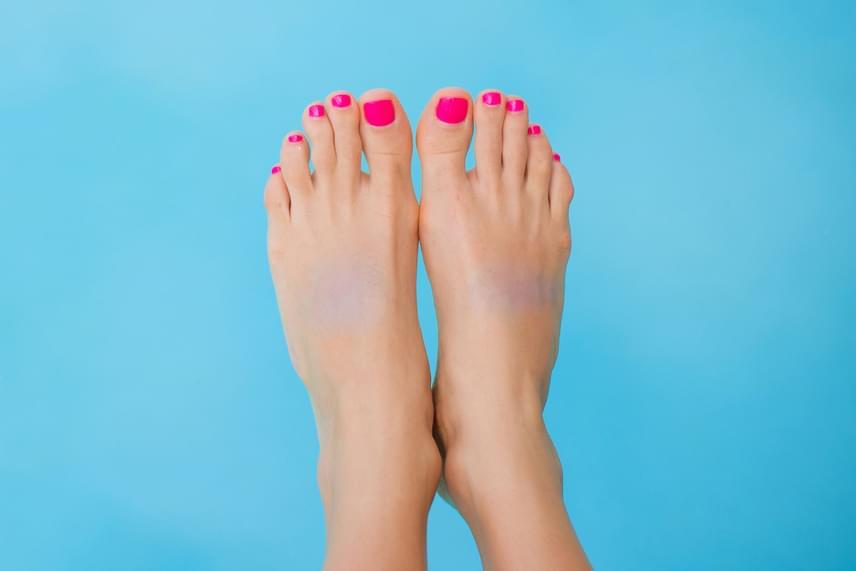 Kék részek a lábfejenBelefáradtál az élet fájdalmaiba és sérelmeibe. Vajon elegendő időt szánsz magadra?