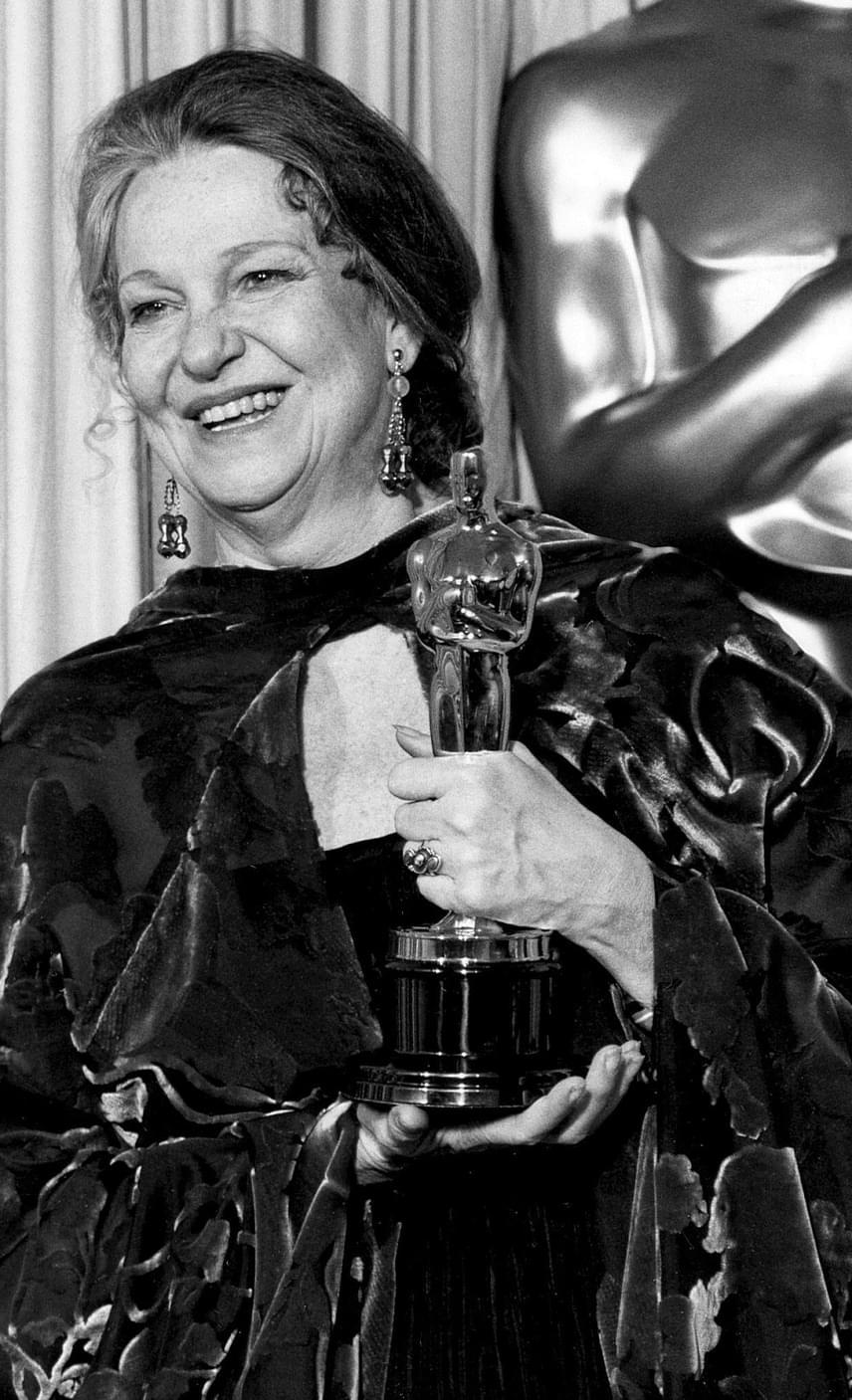 Geraldine Page-nek is sokat kellett sorban állnia, mire tehetségét aranyszoborral ismerte el a Filmakadémia. 1954-től kezdődően nyolcszor jelölték, de csak 32 évvel később - 1986-ban - a nyolcadik jelölését tudta díjra váltani az Út az ismeretlenbe című filmdrámáért. Egy évvel később pedig elhunyt - 67 éves volt.