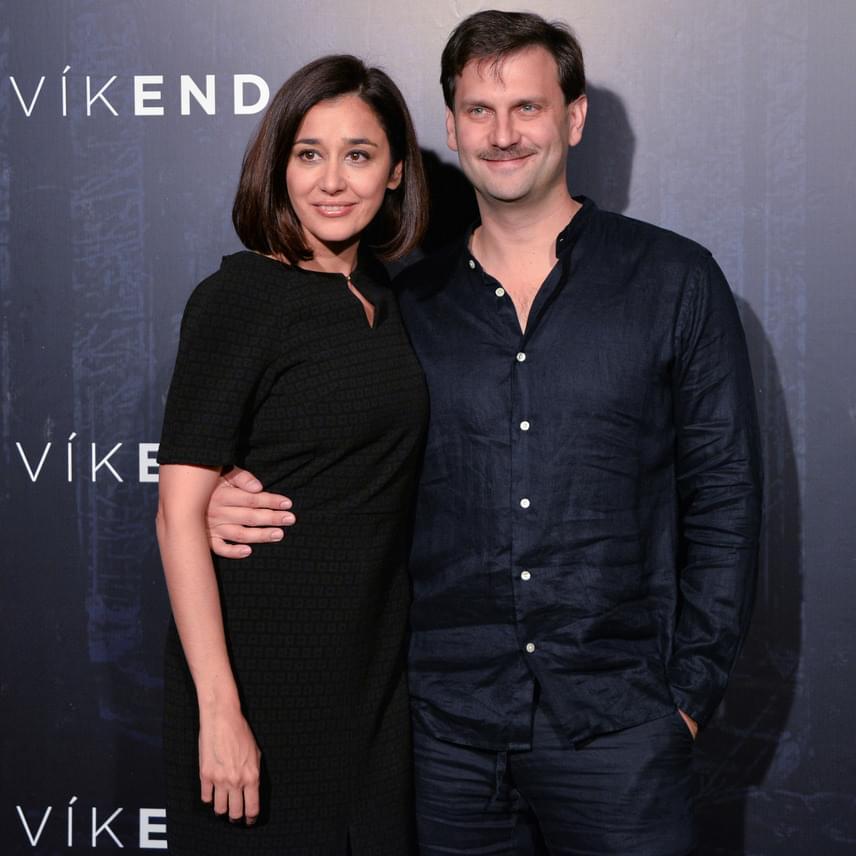 Gryllus Dorka és Simon Kornél a 2010 februárjában a Pinceszínházban bemutatott Varsói melódia próbái közben szerettek egymásba. A színészpárnak 2012 márciusában született meg a kisfia, Soma. A 2015-ben bemutatott Víkend című filmben házaspárt alakítanak.