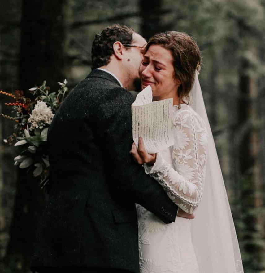 A fogadalmak olykor megríkatják a menyasszonyt is.