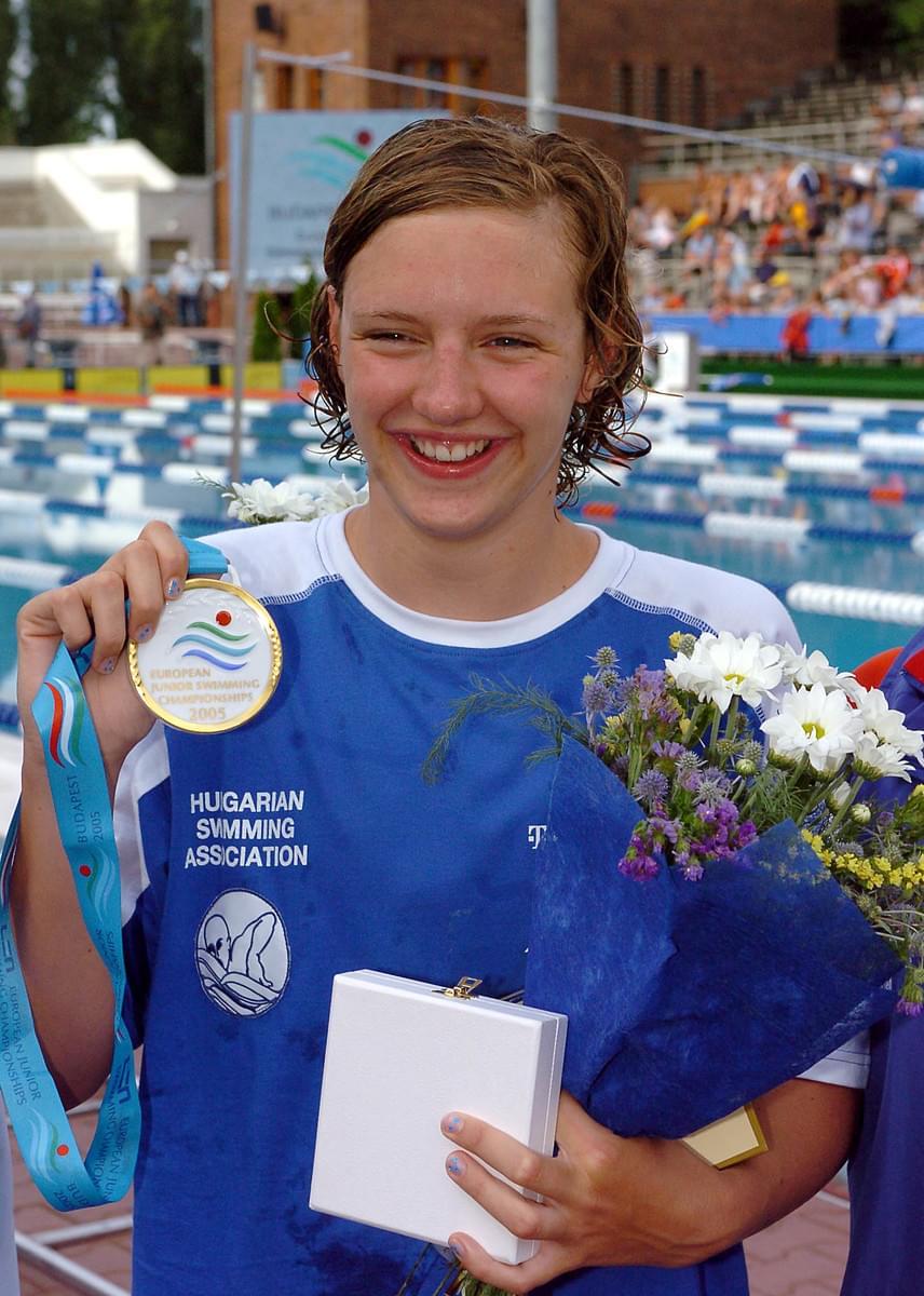 Hosszú Katinka 16 évesen, 2005 júliusában nyerte meg a 400 méteres női vegyesúszás döntőjét a margitszigeti Hajós Alfréd uszodában az ifjúsági úszó-Európa-bajnokságon.